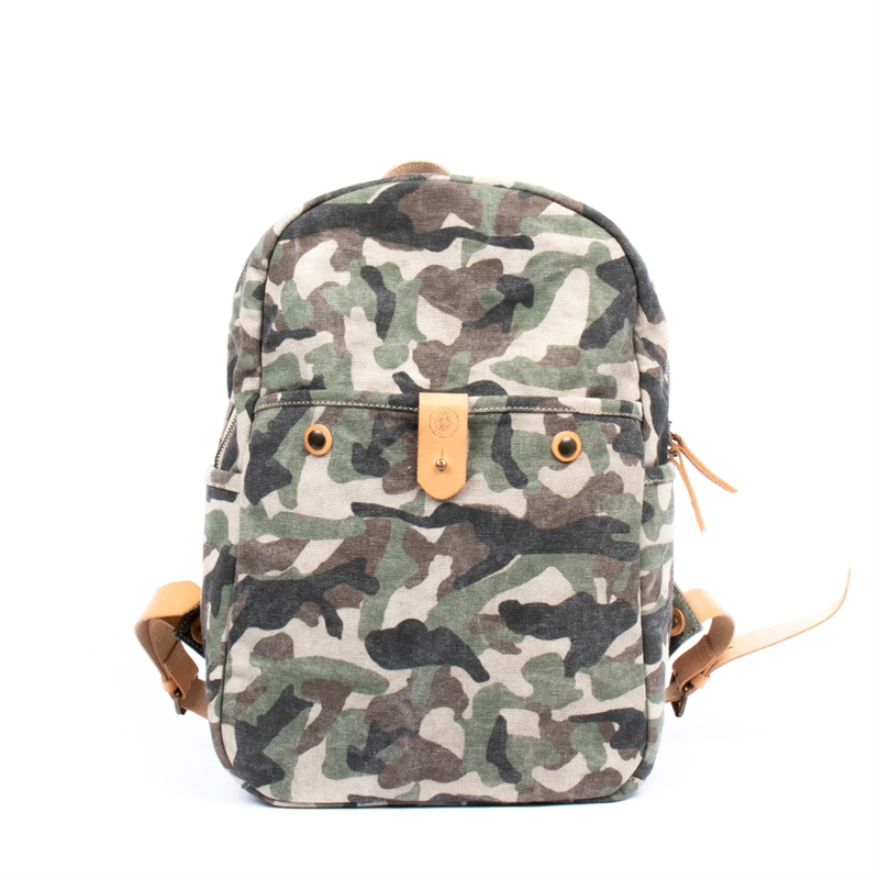 Finn-Backpack-camo-front