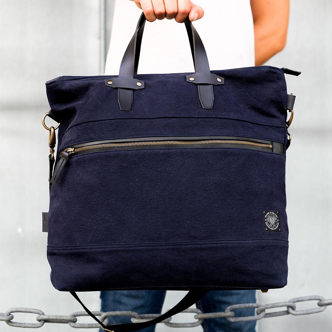 Paris-weekend-bag-navy-image-2
