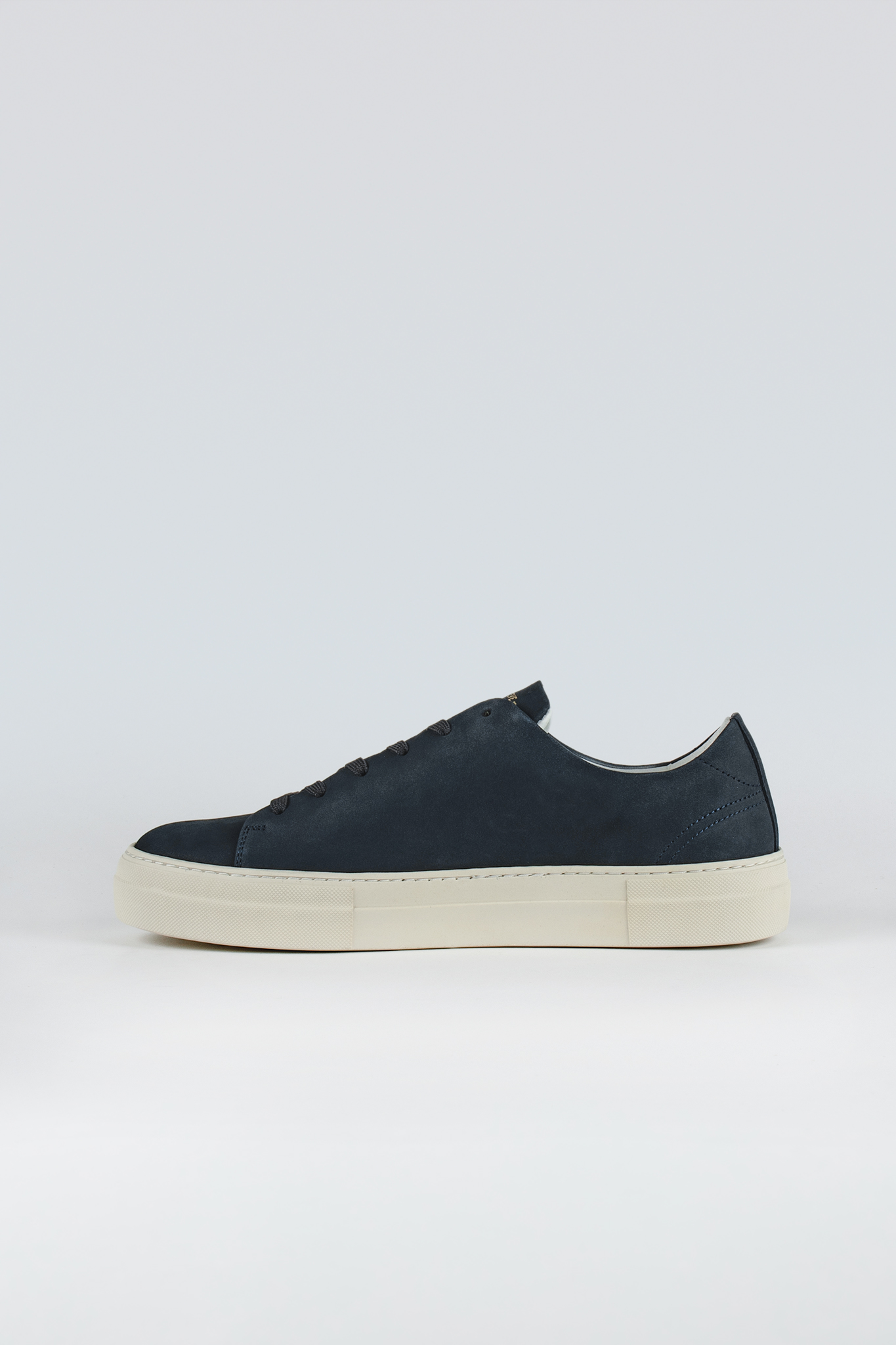 Calm Nubuck Navy