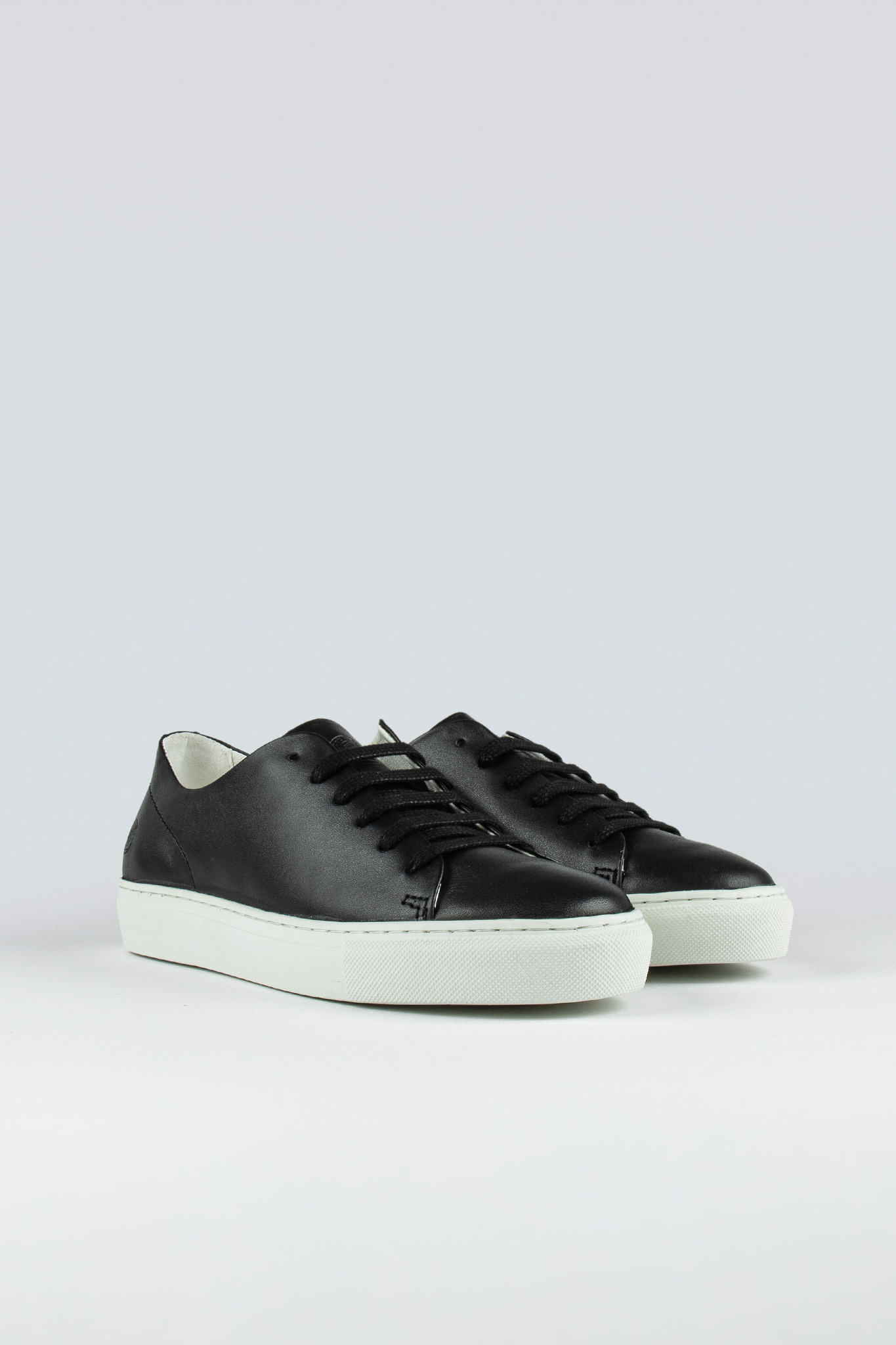Jervis Low II W Black
