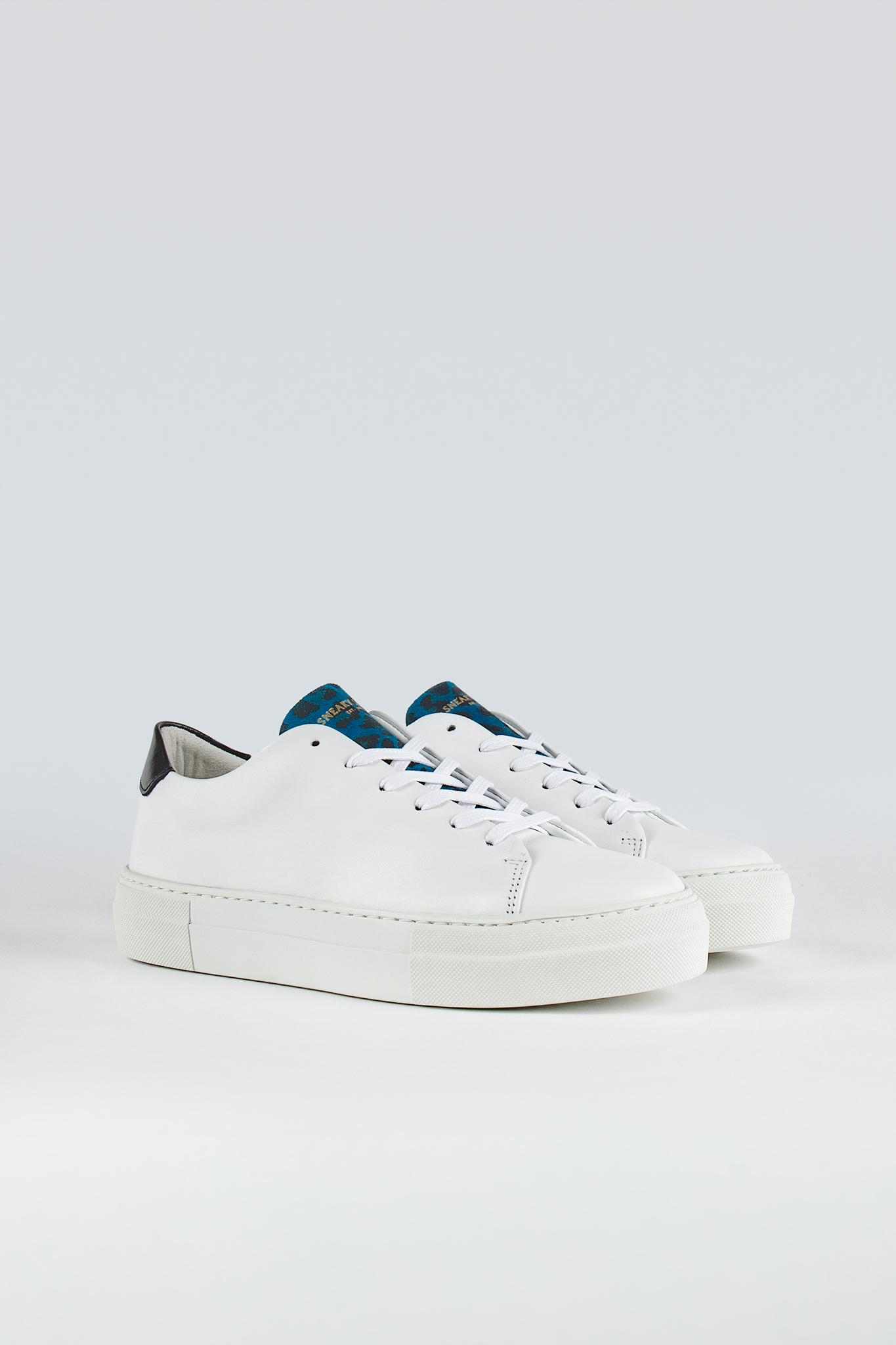 Moore W White/Blue Leopard