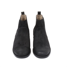 Shinner-suede-chelsea-boot-black-front